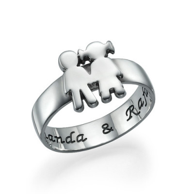 Mum Ring with Children Holding Hands - The Name Jewellery™