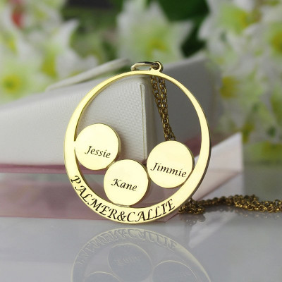 Mothers Family Name Pendant In Gold - The Name Jewellery™