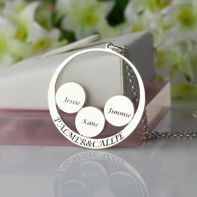Personalised Family Name Pendant For Mom Silver - The Name Jewellery™