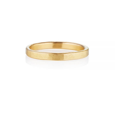 Arturo Hammered Wedding Ring For Men In Fairtrade Gold - The Name Jewellery™