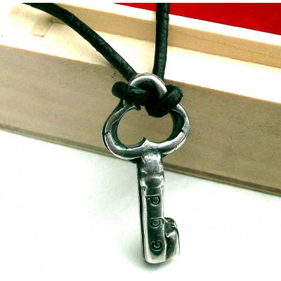 Personalised Silver Key Necklace - The Name Jewellery™