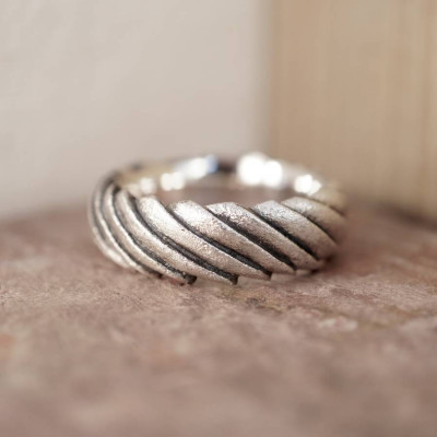 Shell Ring - The Name Jewellery™